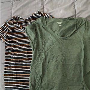 Set of 2 v neck t shirts